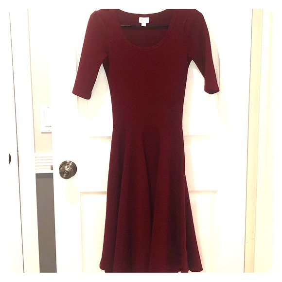 LuLaRoe Dresses & Skirts - Dark Red XXS Lularoe Nicole Dress - GUC